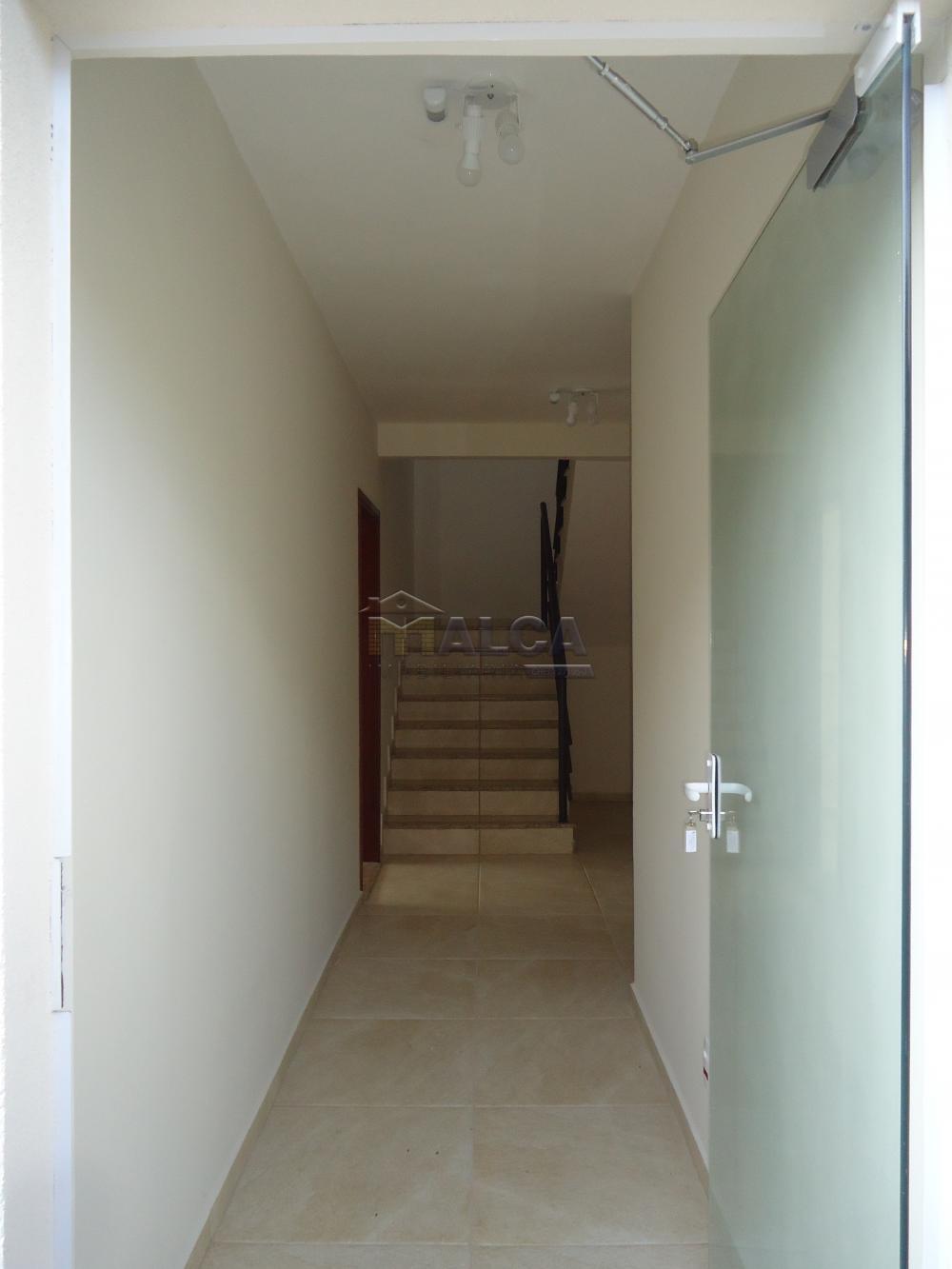 Alugar Apartamentos / Padrão em São José do Rio Pardo R$ 935,00 - Foto 8