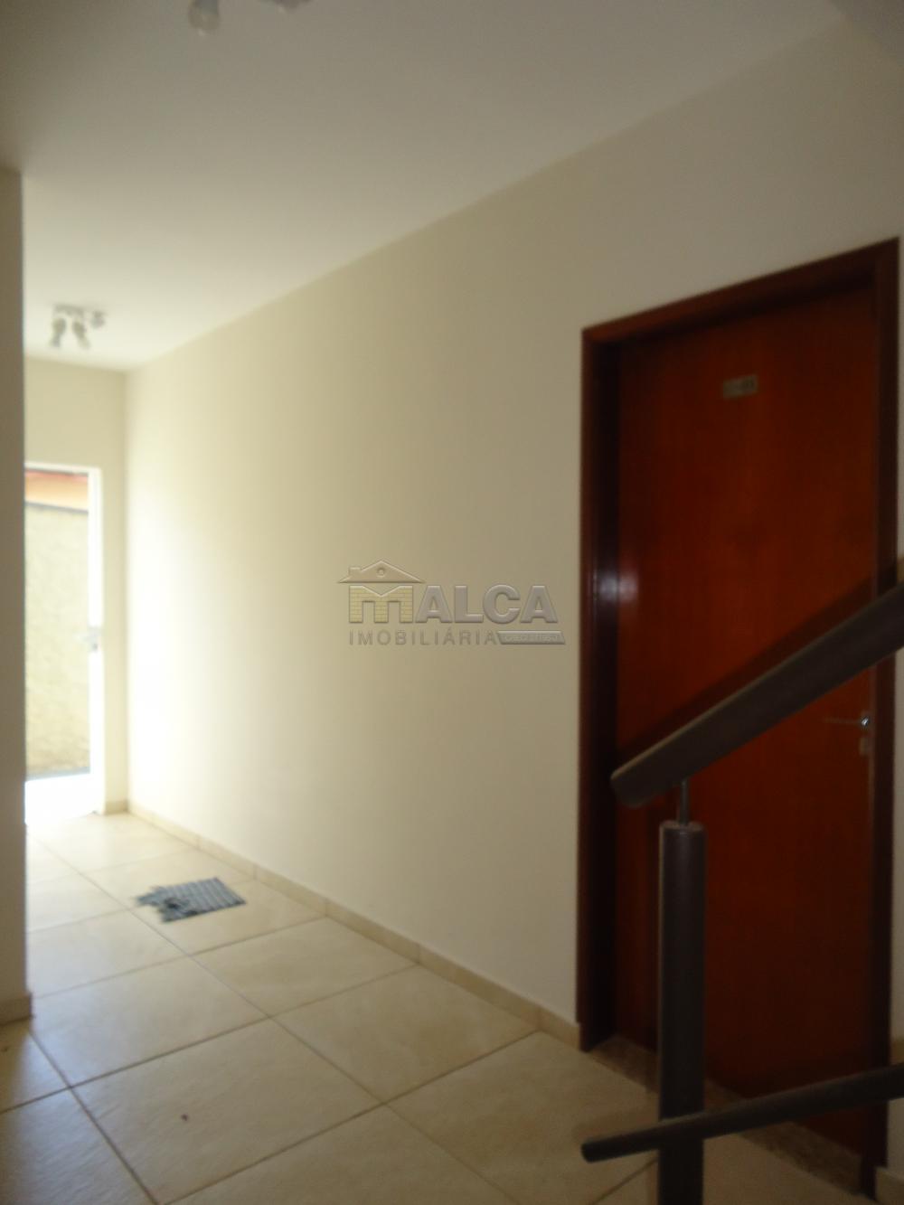 Alugar Apartamentos / Padrão em São José do Rio Pardo R$ 935,00 - Foto 12