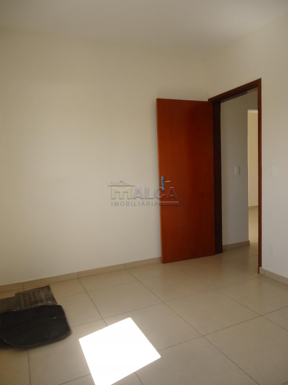 Alugar Apartamentos / Padrão em São José do Rio Pardo R$ 935,00 - Foto 32