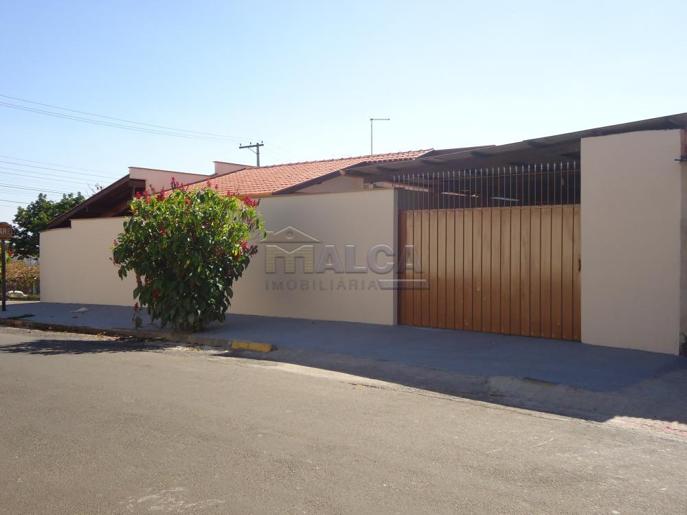 Alugar Casas / Padrão em São José do Rio Pardo R$ 1.500,00 - Foto 3