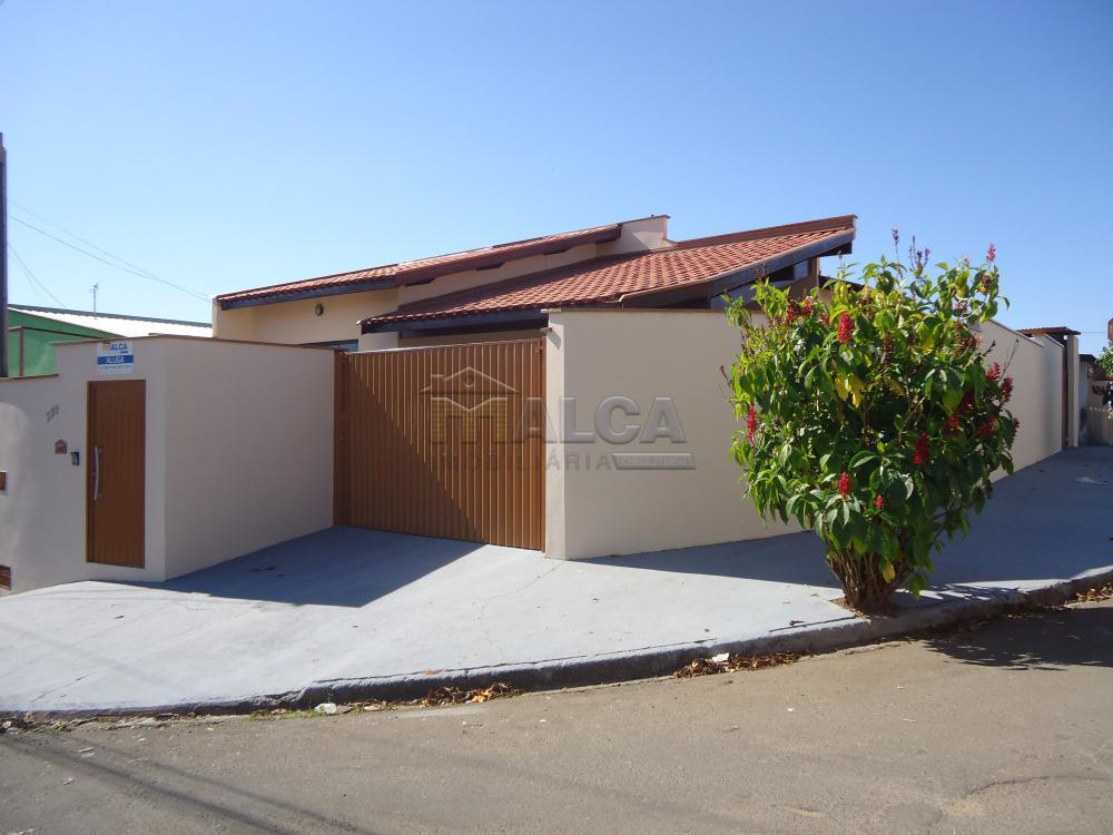 Alugar Casas / Padrão em São José do Rio Pardo R$ 1.500,00 - Foto 1