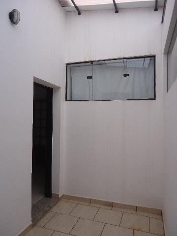 Alugar Casas / Padrão em São José do Rio Pardo R$ 1.700,00 - Foto 13