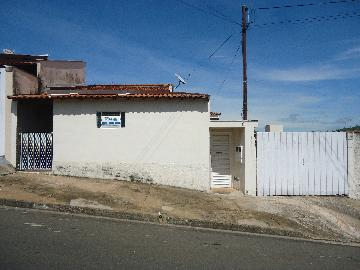 Alugar Casas / Padrão em São José do Rio Pardo. apenas R$ 550,00