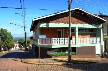 Alugar Casas / Padrão em São José do Rio Pardo. apenas R$ 1.310,00