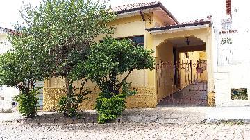 Alugar Casas / Padrão em São José do Rio Pardo. apenas R$ 650.000,00