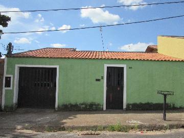 Alugar Casas / Padrão em São José do Rio Pardo. apenas R$ 165.000,00