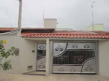 Alugar Casas / Padrão em São José do Rio Pardo. apenas R$ 300.000,00