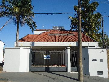Casas / Padrão em São José do Rio Pardo Alugar por R$2.800,00