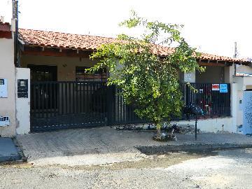 Alugar Casas / Padrão em São José do Rio Pardo. apenas R$ 285.000,00