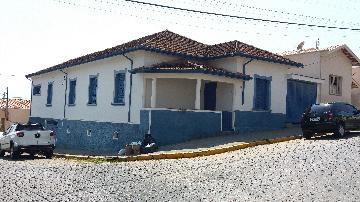 Alugar Casas / Padrão em São José do Rio Pardo. apenas R$ 410.000,00