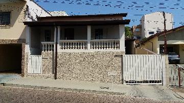 Alugar Casas / Padrão em São José do Rio Pardo. apenas R$ 550.000,00