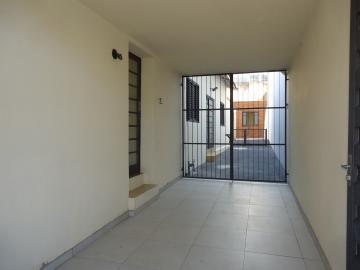 Alugar Casas / Padrão em São José do Rio Pardo R$ 2.000,00 - Foto 2