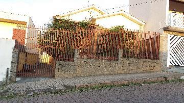 Alugar Casas / Padrão em São José do Rio Pardo. apenas R$ 320.000,00