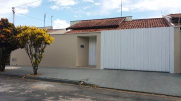 Alugar Casas / Padrão em São José do Rio Pardo. apenas R$ 1.150,00