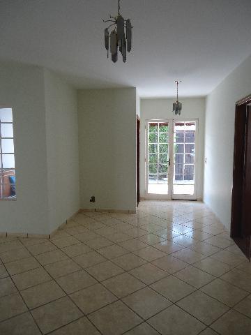 Alugar Casas / Padrão em São José do Rio Pardo R$ 1.300,00 - Foto 9