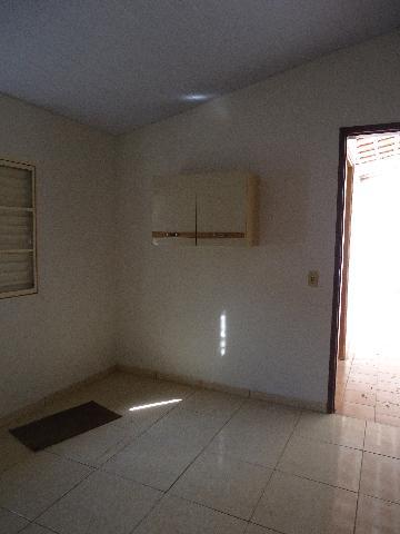 Alugar Casas / Padrão em São José do Rio Pardo R$ 1.300,00 - Foto 38