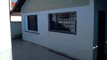 Alugar Casas / Padrão em São Sebastião da Grama. apenas R$ 250.000,00