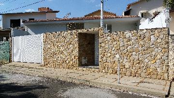 Alugar Casas / Padrão em São José do Rio Pardo. apenas R$ 690.000,00