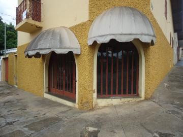 Alugar Comerciais / Salas em São José do Rio Pardo. apenas R$ 600,00