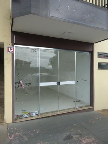 Alugar Comerciais / Salas em São José do Rio Pardo R$ 900,00 - Foto 2