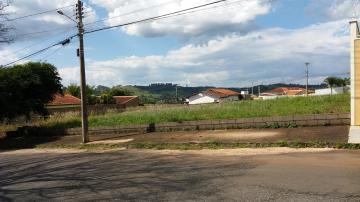 Alugar Terrenos / Padrão em São José do Rio Pardo. apenas R$ 120.000,00