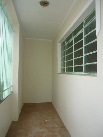 Alugar Casas / Padrão em São José do Rio Pardo R$ 1.120,00 - Foto 3