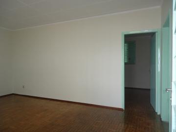 Alugar Casas / Padrão em São José do Rio Pardo R$ 1.120,00 - Foto 5