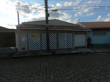 Alugar Casas / Padrão em São José do Rio Pardo. apenas R$ 220.000,00
