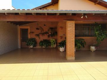 Alugar Casas / Padrão em São José do Rio Pardo R$ 1.650,00 - Foto 2