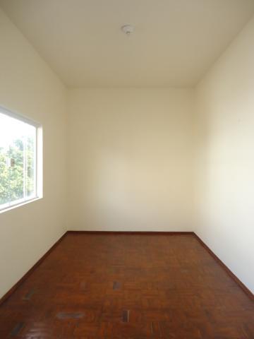 Alugar Casas / Padrão em São José do Rio Pardo R$ 1.700,00 - Foto 11