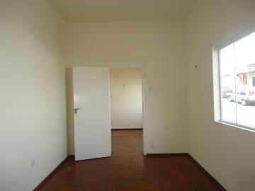 Alugar Casas / Padrão em São José do Rio Pardo R$ 1.700,00 - Foto 12