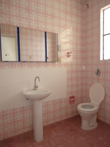 Alugar Casas / Padrão em São José do Rio Pardo R$ 1.700,00 - Foto 17