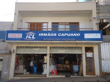 Casas / Sobrado em São José do Rio Pardo Alugar por R$850,00