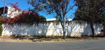 Terrenos / Padrão em São José do Rio Pardo , Comprar por R$360.000,00
