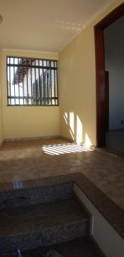 Comprar Casas / Padrão em São José do Rio Pardo R$ 420.000,00 - Foto 2