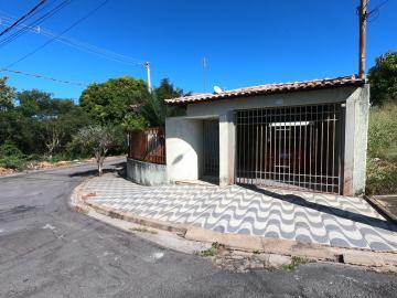 Alugar Casas / Padrão em São José do Rio Pardo. apenas R$ 375.000,00