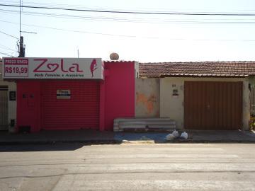 Alugar Casas / Padrão em São José do Rio Pardo. apenas R$ 500,00