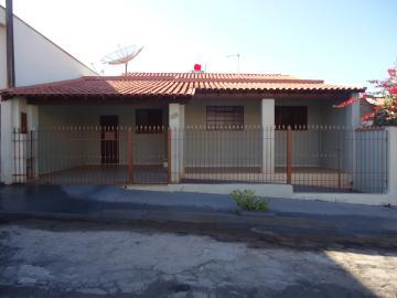 Casas / Padrão em São José do Rio Pardo Alugar por R$800,00