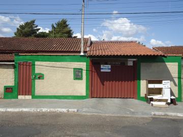 Casas / Padrão em São José do Rio Pardo Alugar por R$890,00
