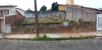 Terrenos / Padrão em São José do Rio Pardo , Comprar por R$135.000,00