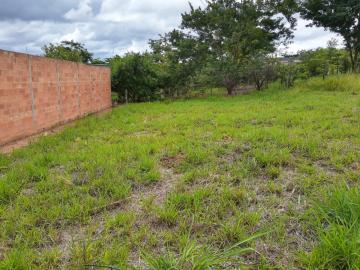 Terrenos / Padrão em São José do Rio Pardo , Comprar por R$69.000,00