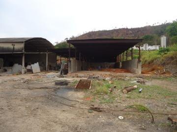 Comerciais / Barracões em São José do Rio Pardo Alugar por R$2.500,00