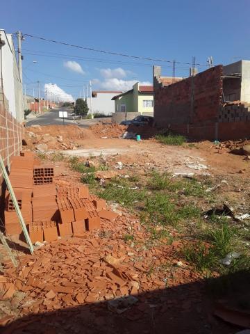 Terrenos / Padrão em São José do Rio Pardo , Comprar por R$87.000,00