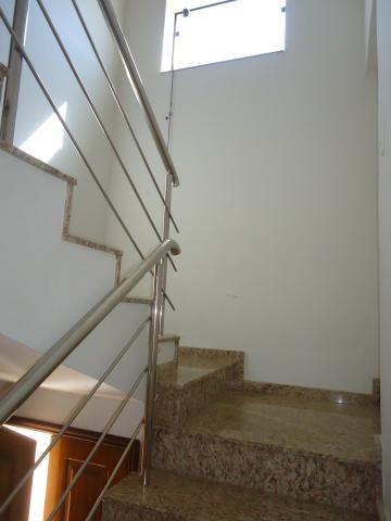 Alugar Apartamentos / Padrão em São José do Rio Pardo R$ 950,00 - Foto 5