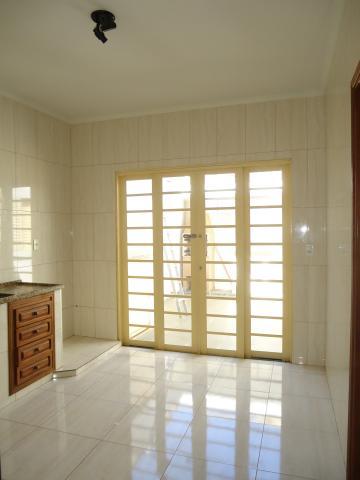 Alugar Apartamentos / Padrão em São José do Rio Pardo R$ 950,00 - Foto 11