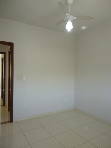 Alugar Apartamentos / Padrão em São José do Rio Pardo R$ 950,00 - Foto 17