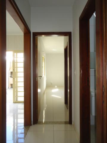 Alugar Apartamentos / Padrão em São José do Rio Pardo R$ 950,00 - Foto 18