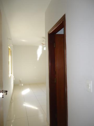 Alugar Apartamentos / Padrão em São José do Rio Pardo R$ 950,00 - Foto 22