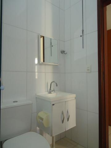 Alugar Apartamentos / Padrão em São José do Rio Pardo R$ 950,00 - Foto 27
