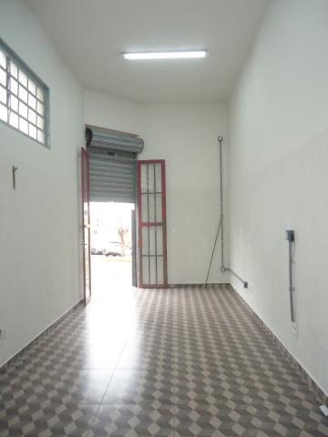 Alugar Comerciais / Salas em São José do Rio Pardo R$ 700,00 - Foto 3